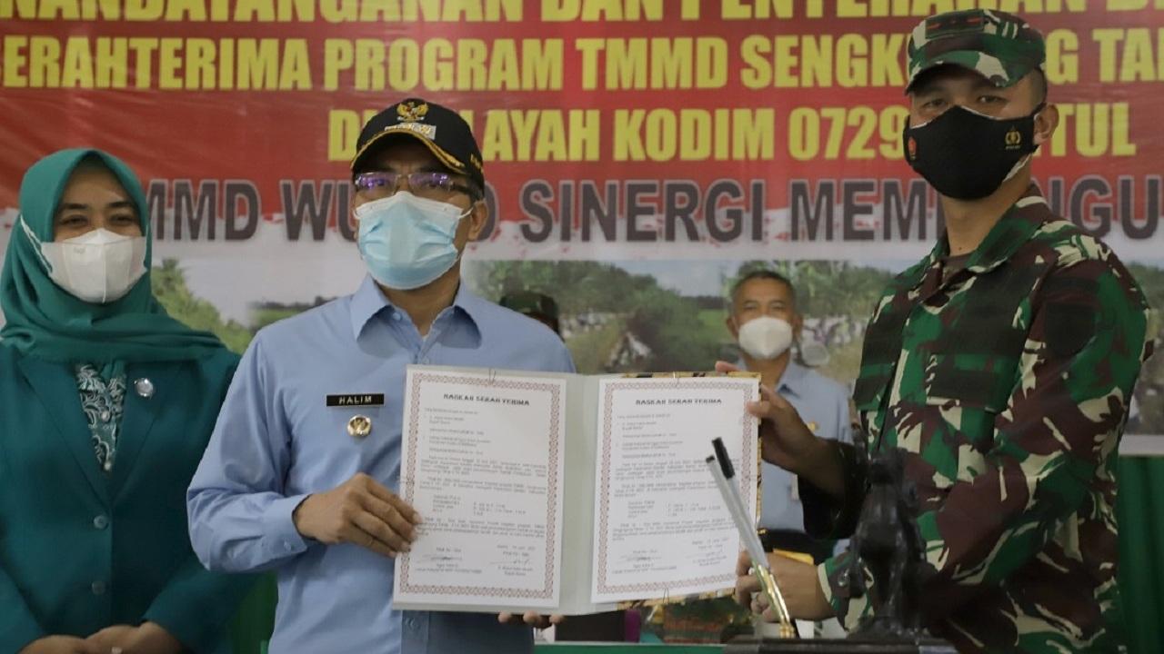 Bupati Bantul Buka TMMD Sengkuyung Tahap II Tahun Anggaran 2021 di Gadingsari Sanden